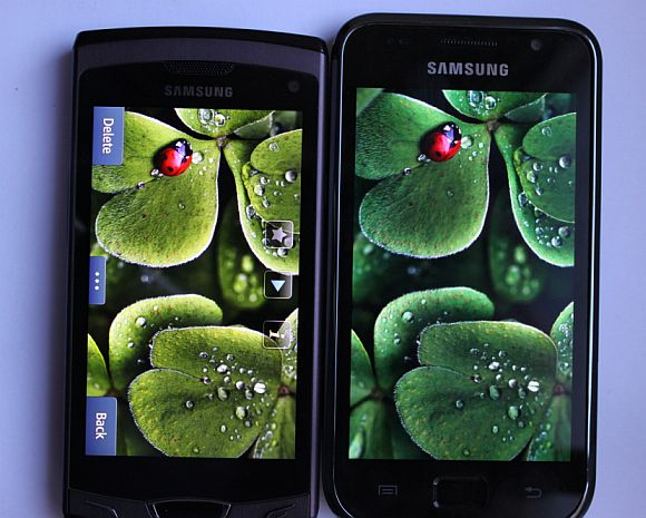 Samsung Wave II – Super Clear LCD TFT Display vs Super AMOLED