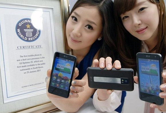 LG Optimus 2X awarded first dual-core smart phone title by Guiness World Records