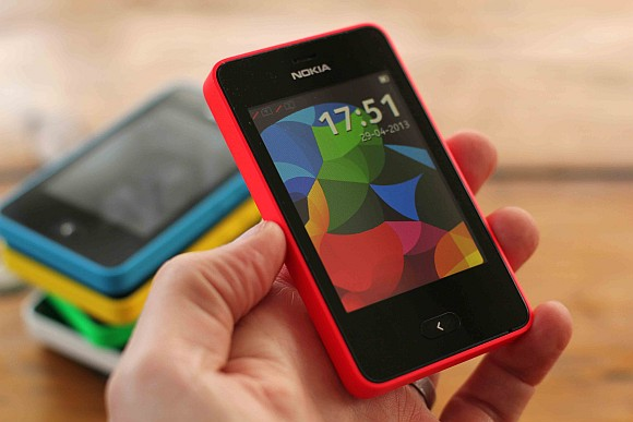 nokia asha 501 � cheap and cheerful full touch screen
