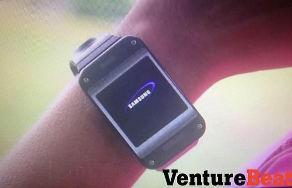 130902-samsung-galaxy-gear-watch-02
