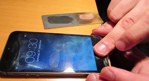 130923-iphone-5s-touch-id-bypass-unlocked