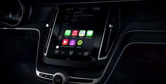 140305-Apple-CarPlay