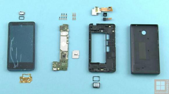 Nokia X gets tear down revealing very few assembly parts