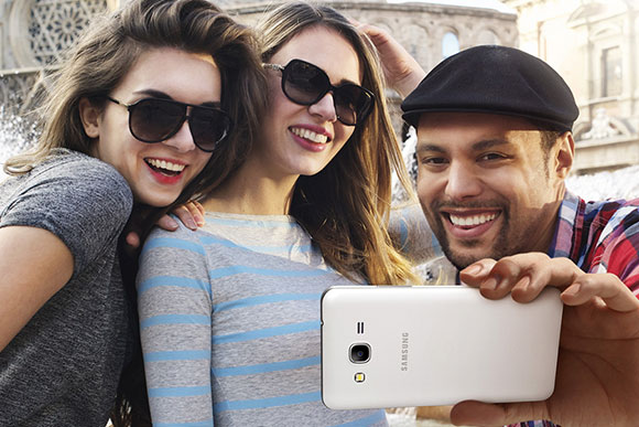 """Samsung goes """"Groufie""""-centric with Galaxy Grand Prime"""