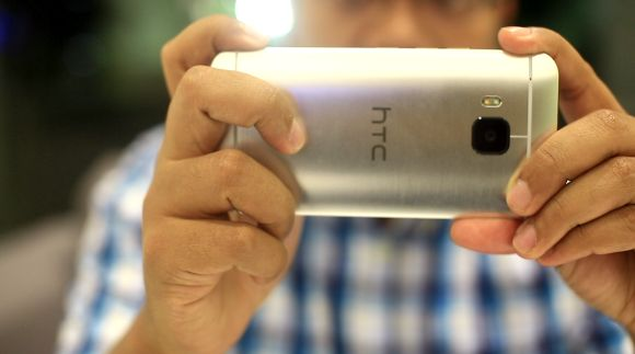 HTC rolls out One M9 update to fix camera and battery issues
