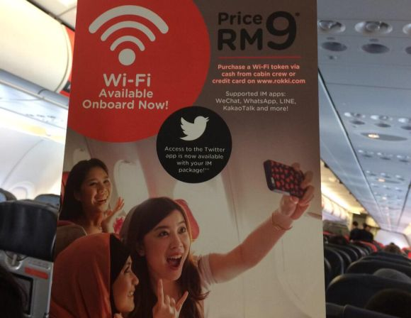 AirAsia now lets you tweet from 30,000ft in the air