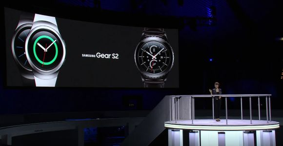 Samsung goes full circle with its Gear S2