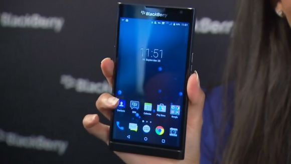 BlackBerry CEO struggles with the new Android-running Priv (Venice) in a hands-on video