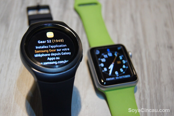 151112-samsung-gear-s2-vs-apple-watch