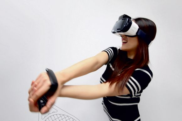 Samsung lets your fingers do the talking