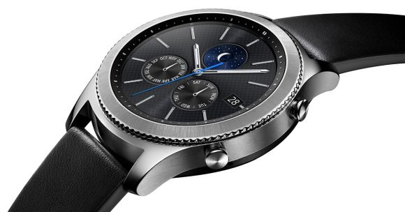 Samsung goes bigger with the Gear S3 smartwatch