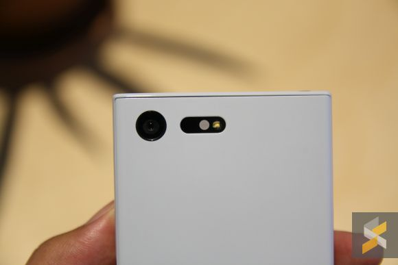 160907-sony-xperia-x-compact-hands-on-6