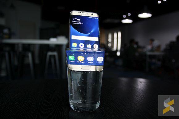 Google's Pixel smartphones won't be too water resistant