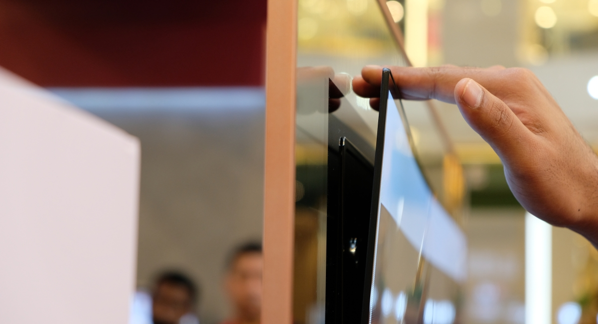 LG's 4K OLED Wallpaper TV Looks Even More Amazing In Real