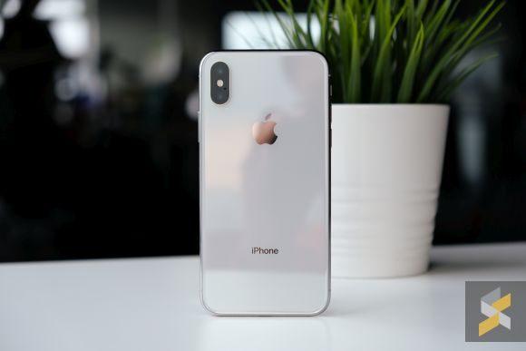 We Unbox The Iphone X In Silver Soyacincau Com