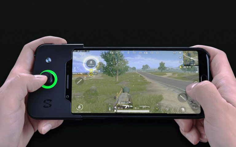 Xiaomi has the ultimate mobile gaming device to take on the Razer Phone