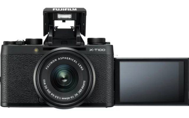 X-T100: Fujifilm's finally made a proper vlogging camera
