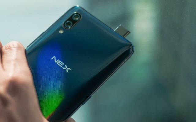Unboxing the all-screen vivo NEX flagship smartphone