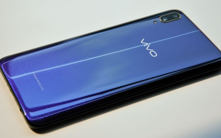 vivo V11: Don't buy this phone just for the in-display fingerprint scanner