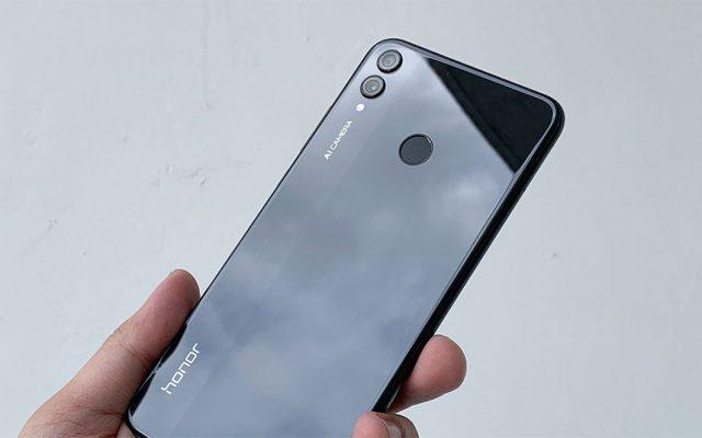 honor 8X: More screen, bigger storage, less money