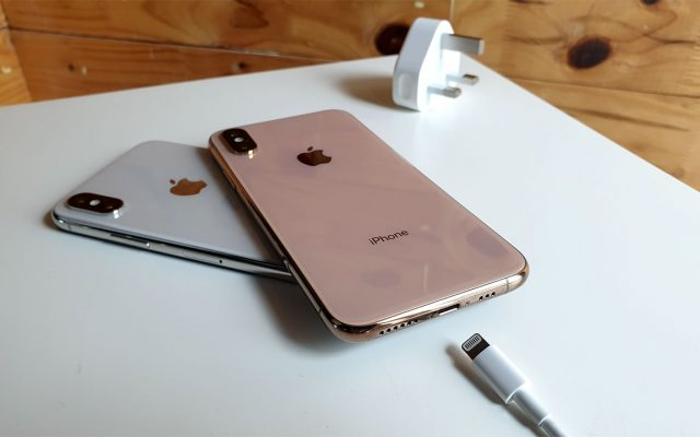 #ChargeGate and 5GHz WiFi fix for iPhone XS is out now
