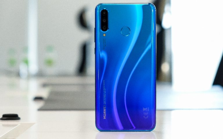Huawei Nova 4e hands-on: A solid sequel