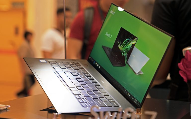 Acer's new ultra-thin laptop weighs less than 900g, and is now available in Malaysia